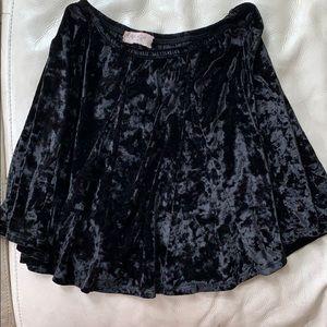 Brandy Melville (John Galt) blk velvet mini skirt
